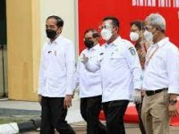 Presiden Tinjau Vaksinasi Massal di Lobam Provinsi Kepri