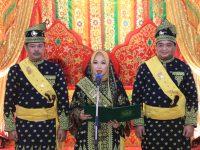 Pimpinan DPRD Kota Tanjungpinang Terima Gelar Adat dari LAM