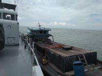 TNI AL Tangkap Kapal Muat BBM Ilegal Di Perairan Karimun