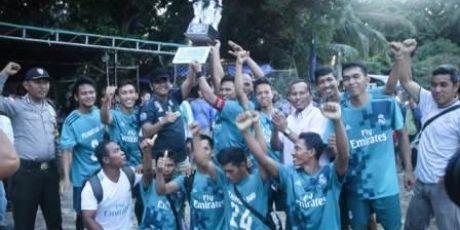 Mantang Baru FC Jawara Turnamen Sepakbola Desa Pangkil Cup 2018