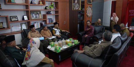 Jumaga Nadeak Audiensi Dengan Ketua LAM Kepri