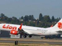 Pesawat Lion Air Tabrak Tiang lampu di Bandara